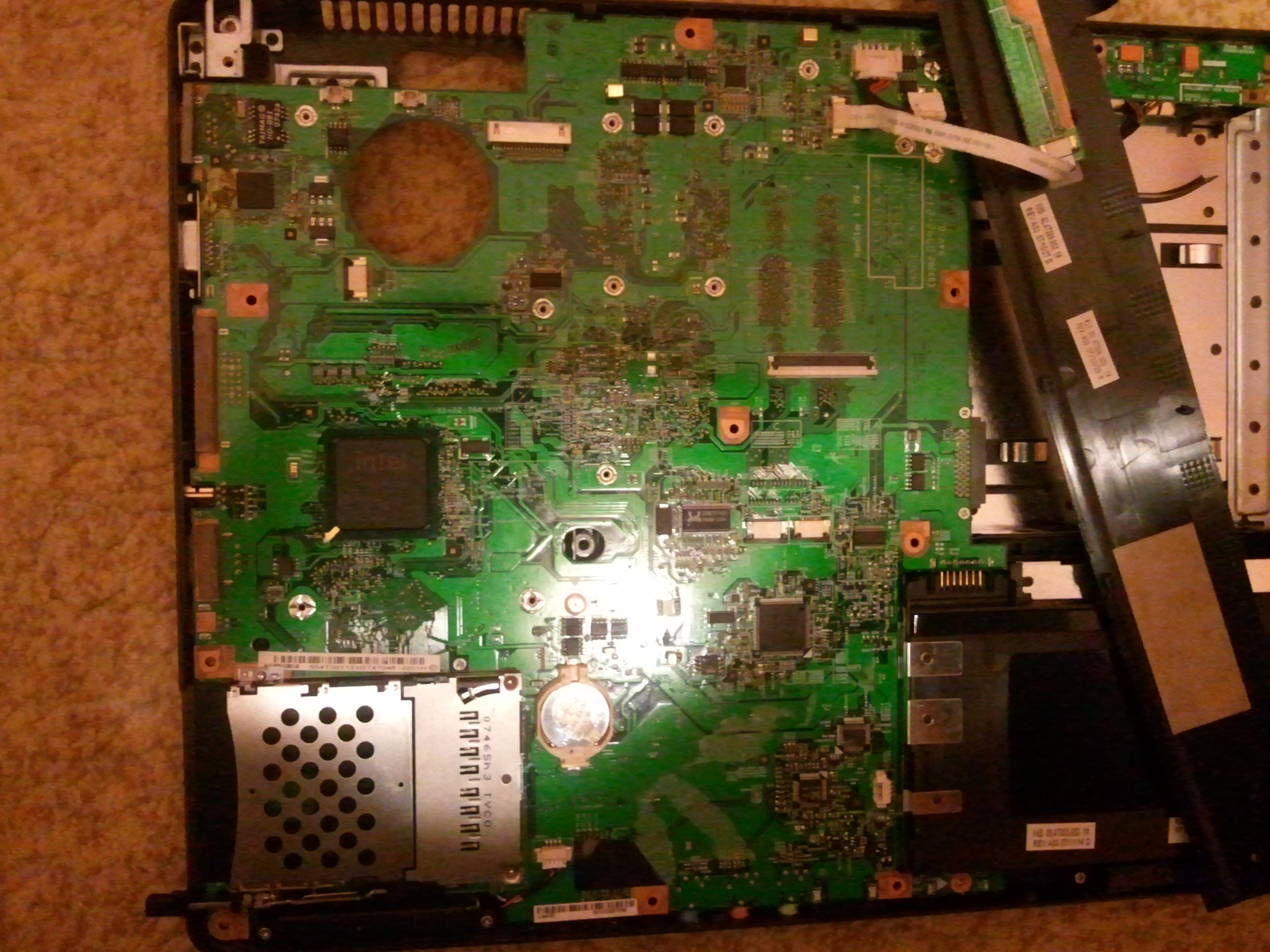 Acer Extensa 5220- zalany piwem nie w��cza si�