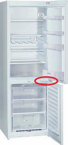 Urwany zawias w lodówce Siemens KG36VV00 z dolnym zamrazalnikiem