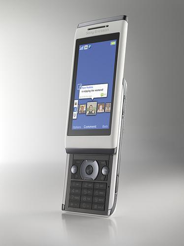 Sony Ericsson Aino - telefon synchronizujący się z PS3