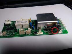 DeLonghi Magnifica ESAM 3000.B - brak warystora VDR4