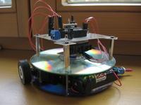 """Robot """"CD"""" - robot omijający przeszkody"""