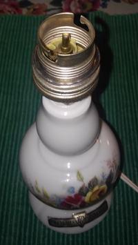 Montaż oprawy oświetleniowej w starej lampce