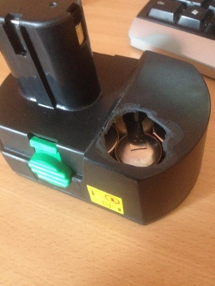 Wkr�tarka Bavaria BCD18   - Samoczynny wybuch akumulatora