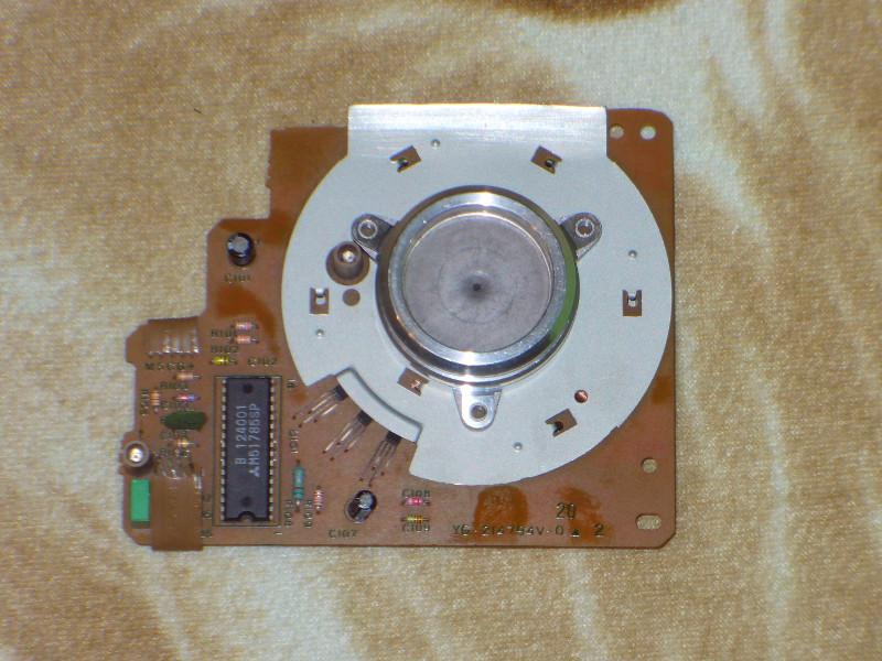 Pr�dnica z silnika krokowego - zasilanie bezstykowe zegara widmowego