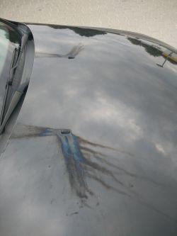 """Ford mondeo mk3, """"tęcza"""" na masce"""