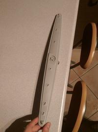 Whirlpool ADG 6240 - Dziwne plastikowe elementy w dolnym zraszaczu zmywarki