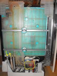 Zmywarka NEFF S9VT1F - Pompa myjąca pracuje bez przerwy