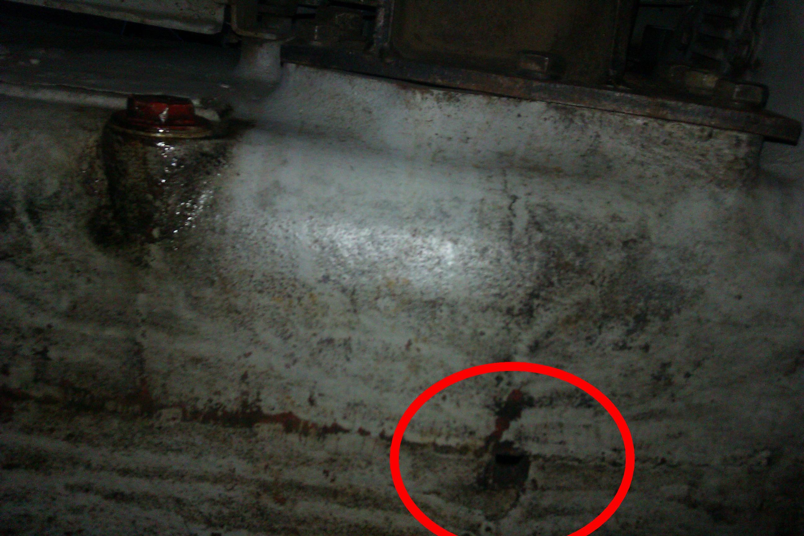 Ursus c-330 M - Ustawianie luz�w zawor�w, wyciek oleju spod ko�a pasowego.