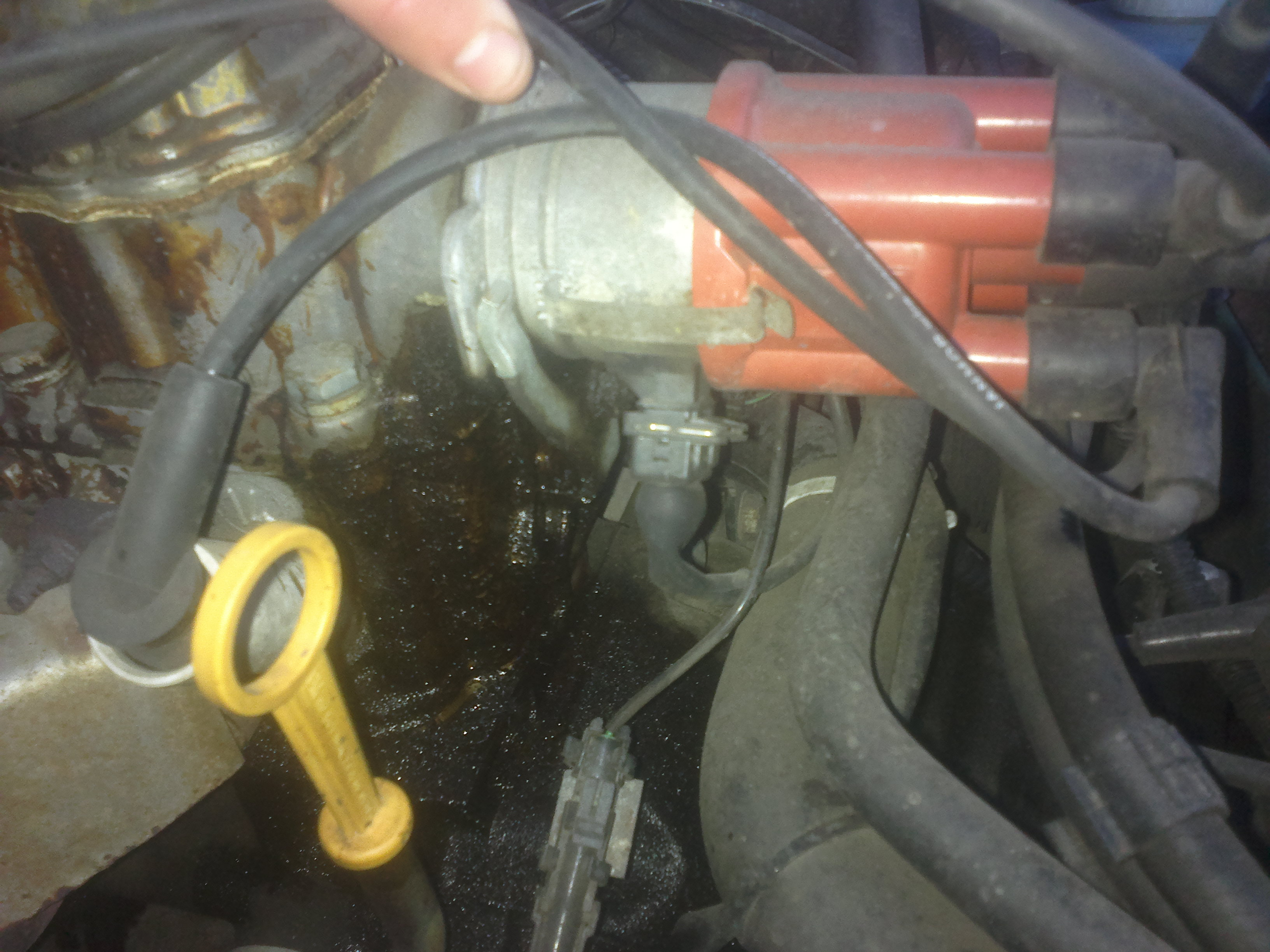 Opel corsa b - Wyciek pod aparatem zap�onowym