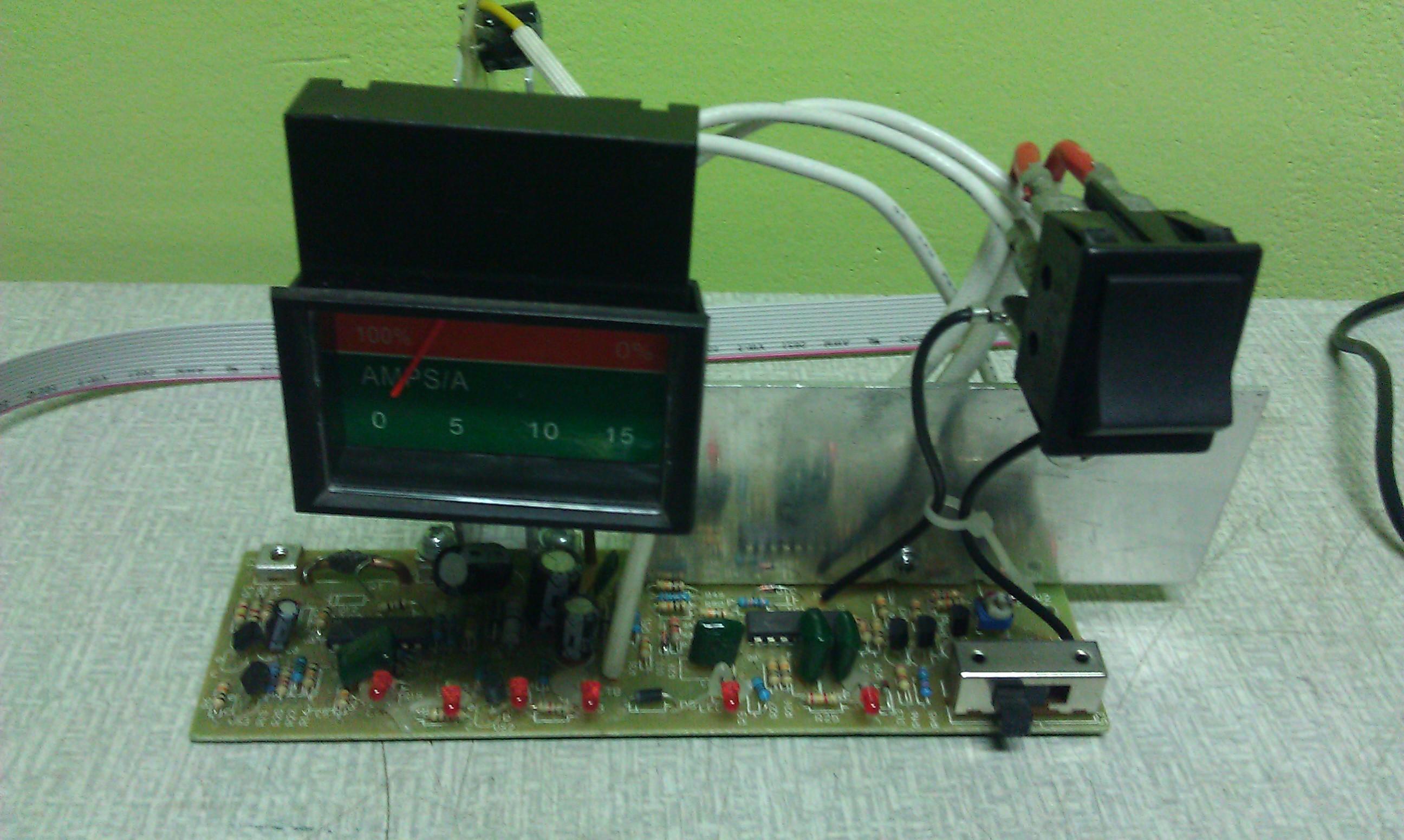 FERM PTC55-75B - Brak napi�cia na wyj�ciu po u�yciu funkcji Startu 75A