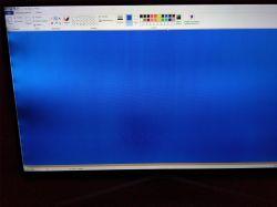 SAMSUNG UE40K5500AW - Przyciemniony ekran z plamami