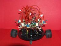 Tani autonomiczny i uczący się robot