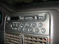 Jak wymontować oryginalne radio Clarion PU9537A Peugeot 106