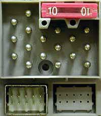 Jak podłączyć Philips 22DC745 do zmieniacza CD Alpine XQE...