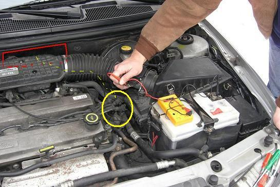 Ford mondeo mk1 1994r od czego jest ta rurka.