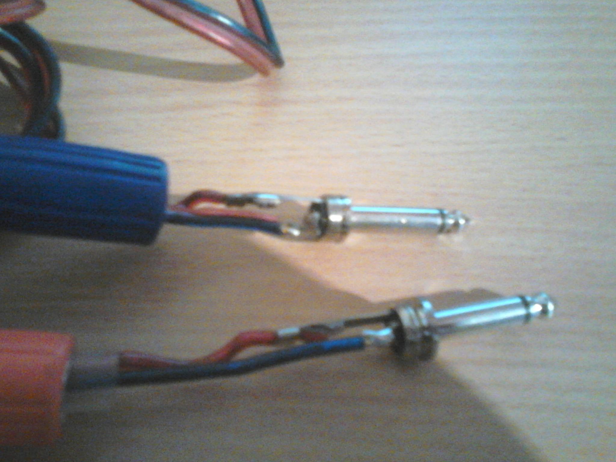 Kabel jack-jack, nie wiem co jest nie tak.