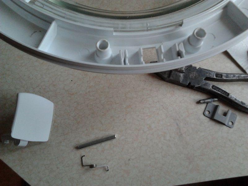 Nie mog� zmontowa� zaczepu w drzwiczkach od pralki Bosch WFB 1604