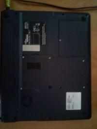 [Sprzedam] Laptop Fujitsu Siemens AmiloPRO V2030D 1,5GHz/1GB/40GB WIFI