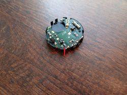 Prośba o zidentyfikowanie elementu na płytce zegarka