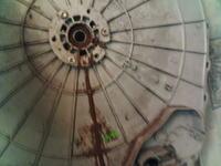Whirlpool AWT5109/P-1000. Trzaski i zgrzyty podczas prania