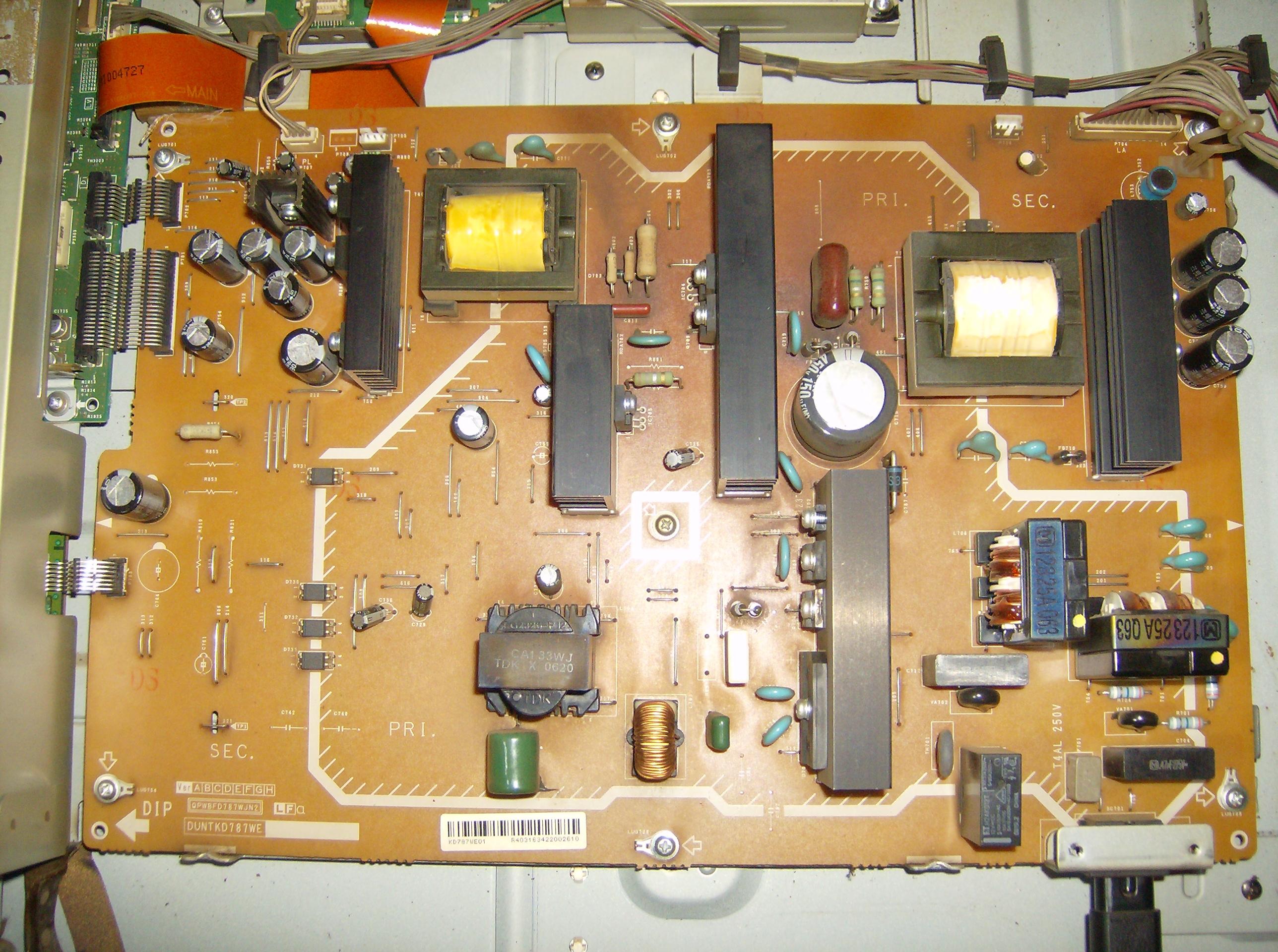 Telewizor Sharp LC-37GE1E - pstrykaj�cy przeka�nik, brak obrazu