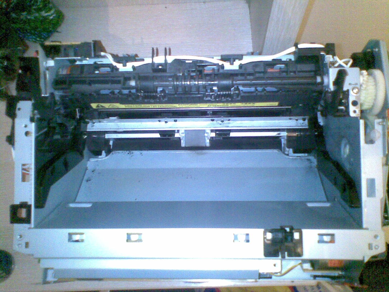HP LaserJet 1010 - Drukarka drukuje bia�y pasek