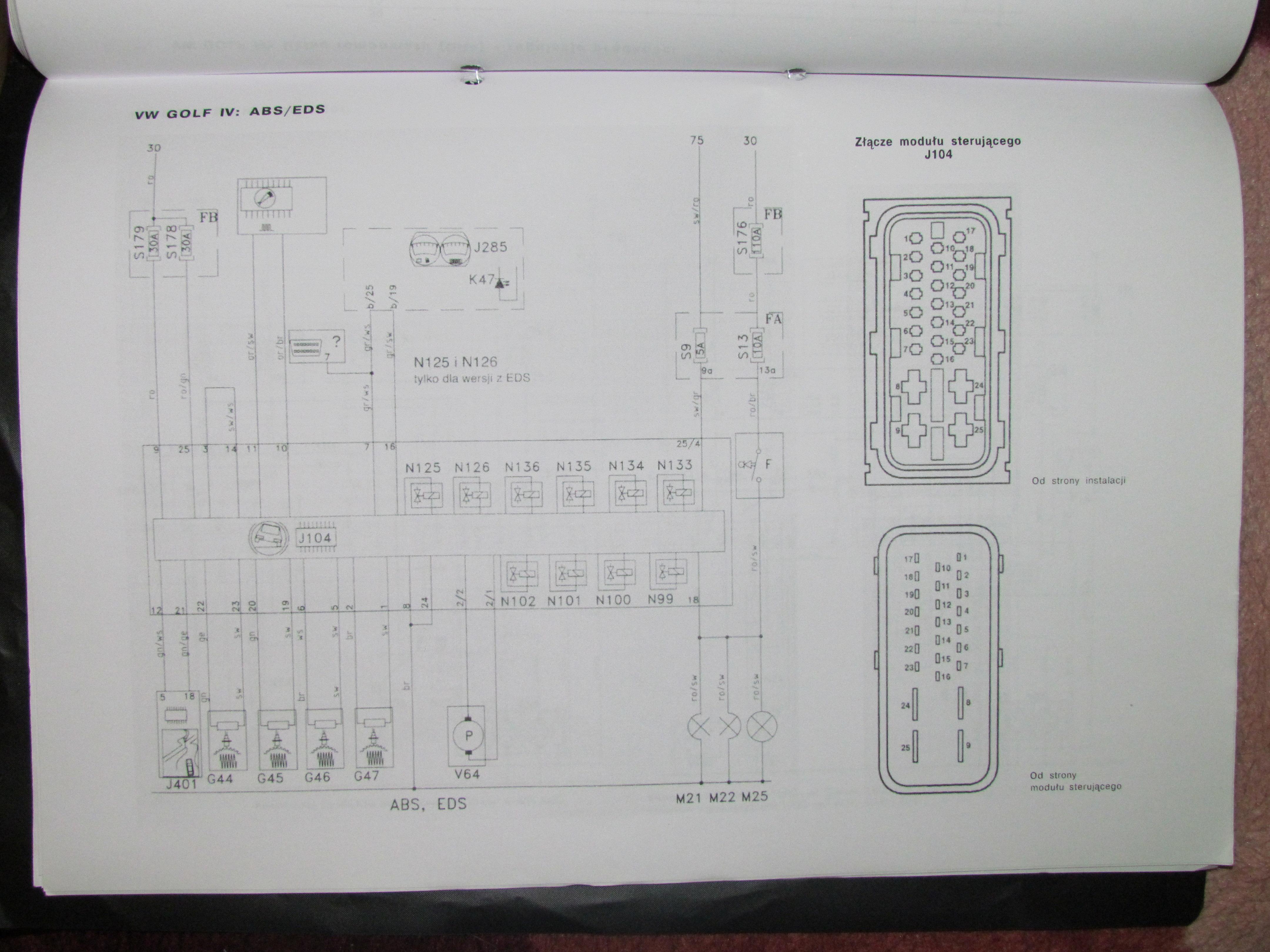 VW GOLF IV - Sygna� pompy hydraulicznej poza zakresem 01276