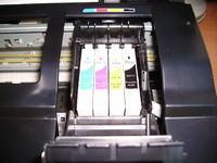 Epson Stylus SX415 - Nie rozpoznaje zamiennik�w, �le drujkuje na czarno.
