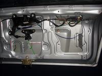 Za�o�enie si�ownika centralnego zamka do klapy Astra II