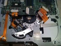 Alpine IVA-D310RB - Uszkodzony mechanizm CD nie wysuwa płyty