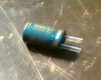 Wymiana kondensatorów na płycie głównej.