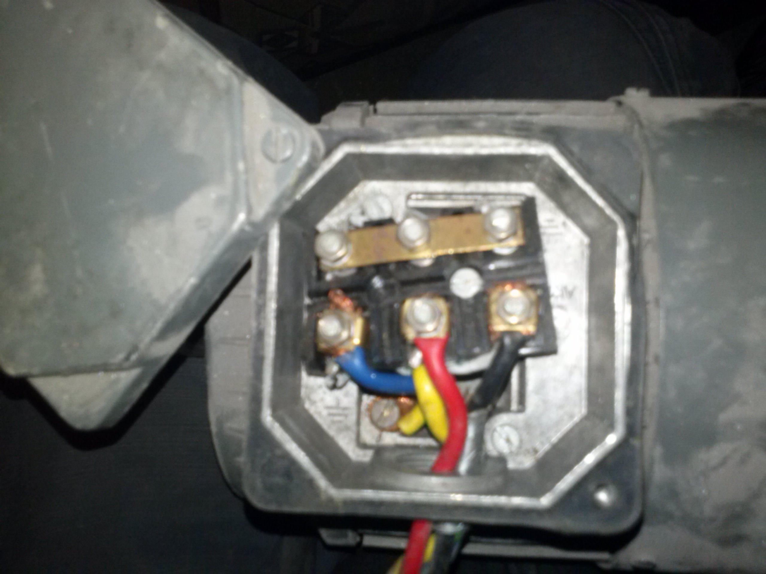 Silnik 3~ elektrim Sf80-4A 0,55kW 220/380V czy jest mozliwe podlaczenie na 230V?