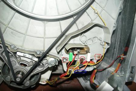 pralka Whirlpool awt5109-p-1000 przecieka