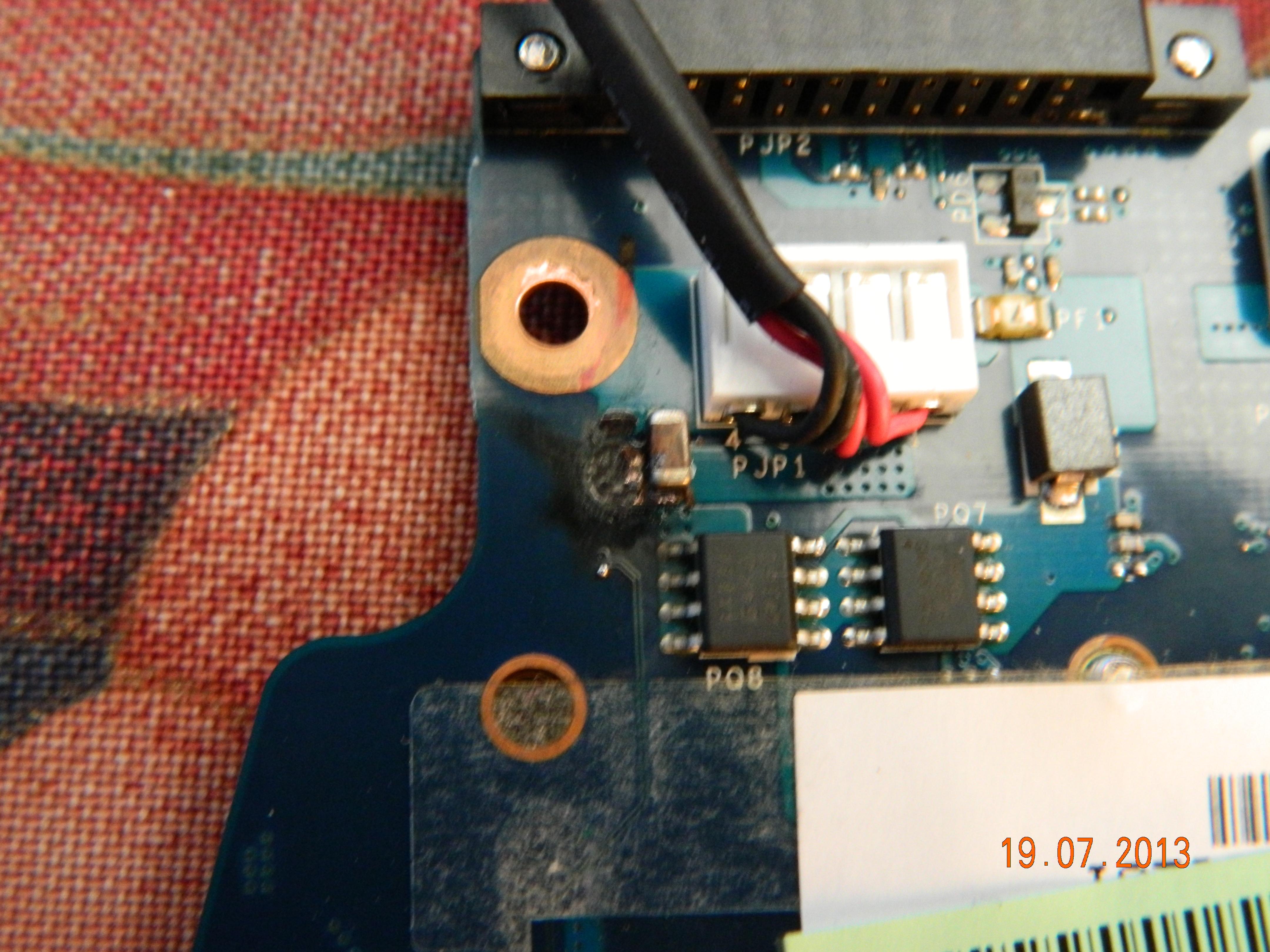 Toshiba Sattelite C660-1LD - Przepalony tranzystor przy gnie�dzie PJP1