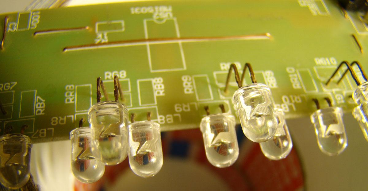 Ekran LED - cz�� Linia LED - jak go zrobi�em (AVR, Linux, WiFi)