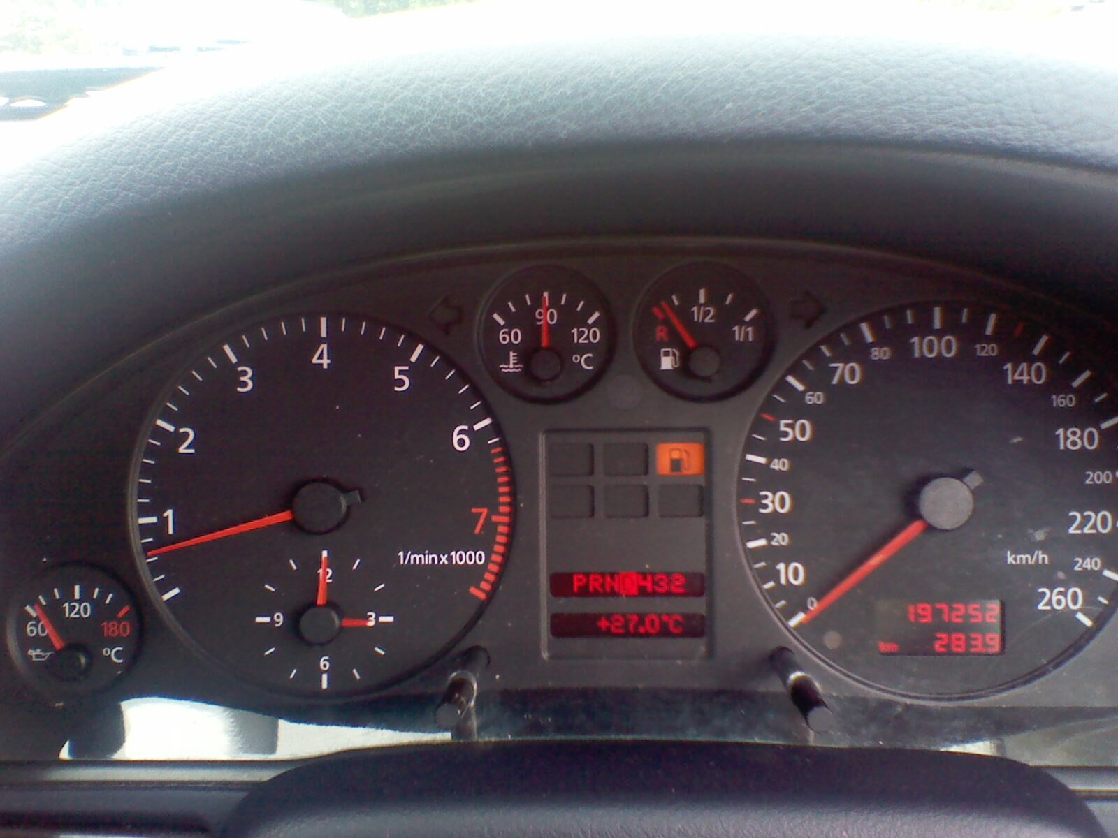 A4 Audi benzyna 1999 dymi