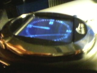 Zegarek z telefonem GSM MT840 p�kni�ta szybka ekranu.