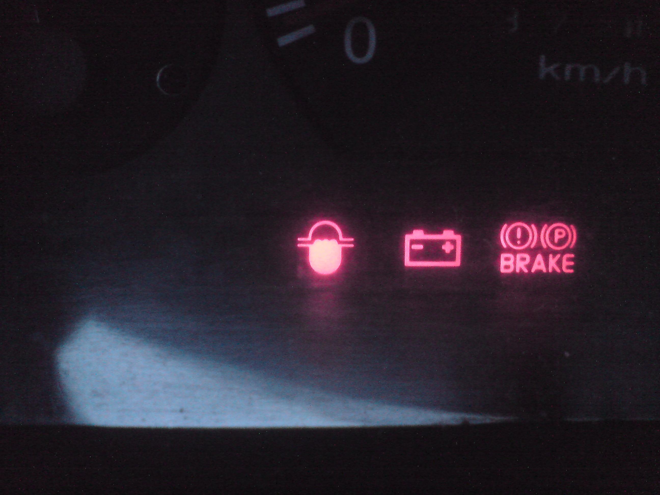 Hyundai h100 - Identyfikacja nieznanej kontrolki.