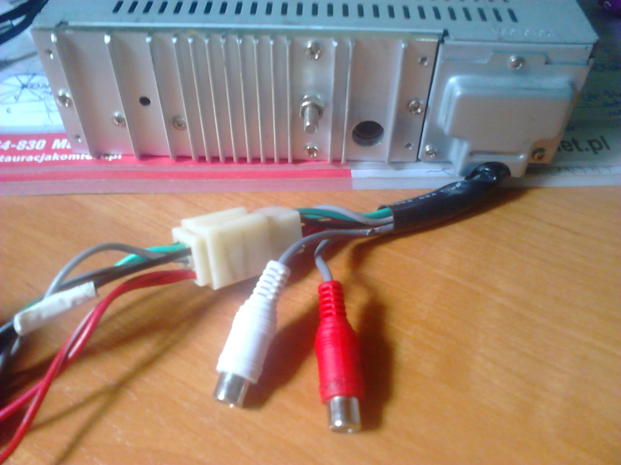 pod��czenie radia, dziwne kable