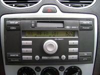 Radio Ford 5000C - jak zdjąć przedni panel-problem z klapką