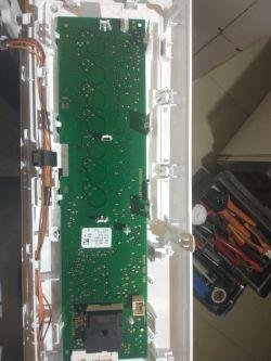 Pralka Bosch WAT24340PL/07 - wariuje, miga odliczanie czasu, piszczy