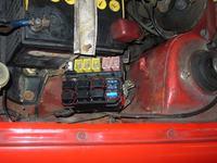 Suzuki Swift 1.0 rok99. Pali bezpiecznik od pompy paliwa i...