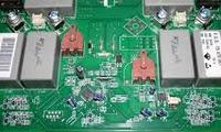 P�yta indukcyjna Whirlpool AKM - kondensatory.