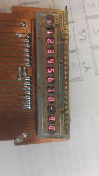 Kalkulator programowalny z MC14009, z ciągłą pamięcią programu i danych