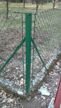 Zakładanie/naciąganie siatki ogrodzeniowej, jak wykonać