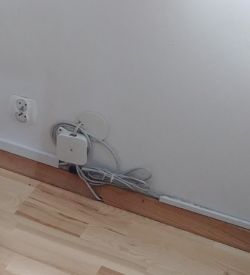 Jak skutecznie zabudować kable na ścianie?