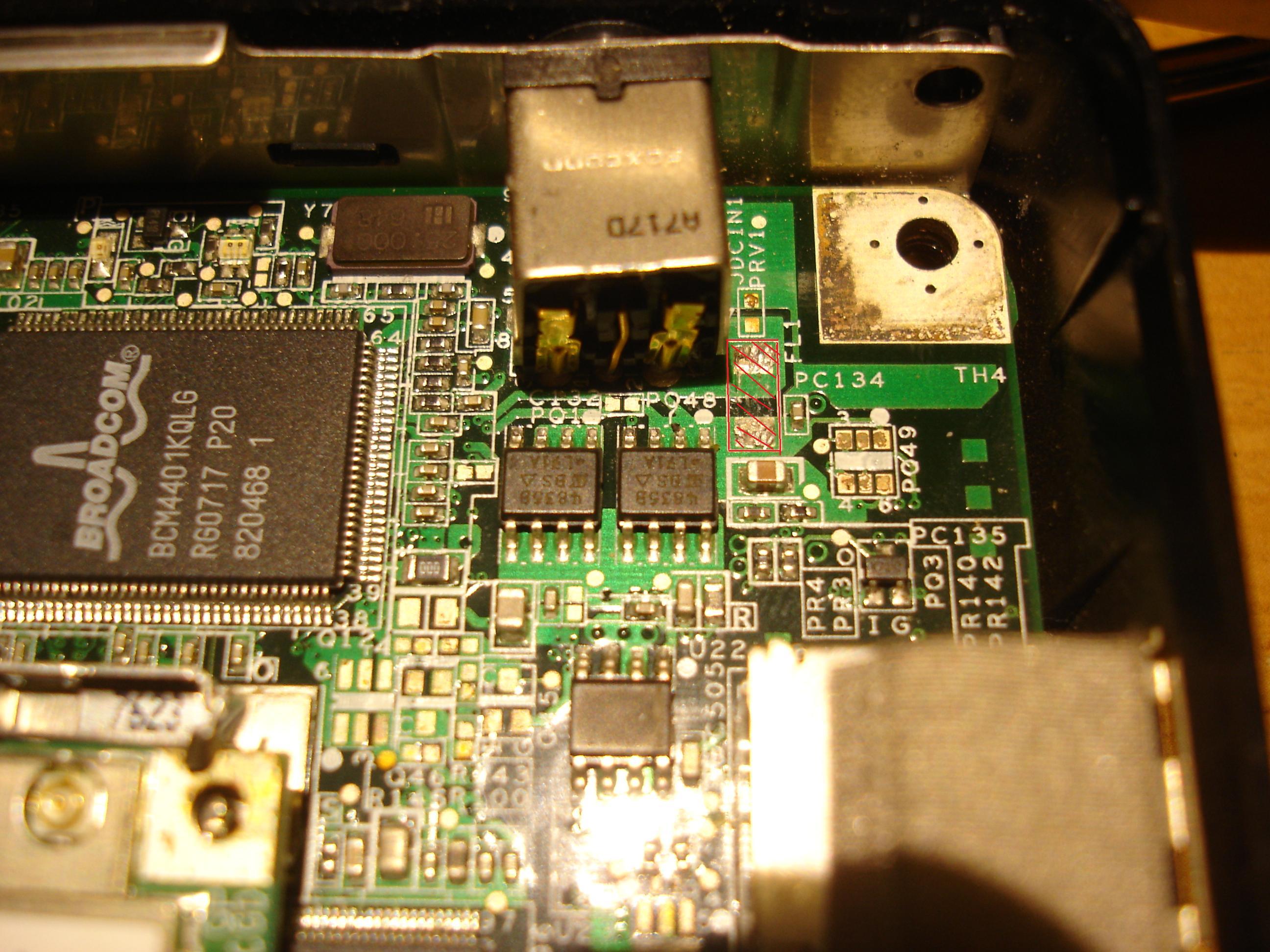 Dell Inspiron 1501 uszkodzony element na p�ycie