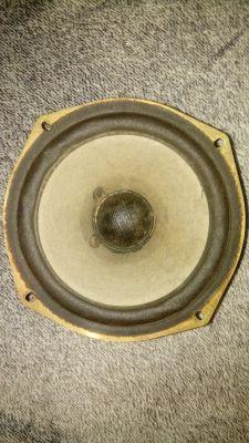 Wykorzystanie głośników niskotonowych SONY