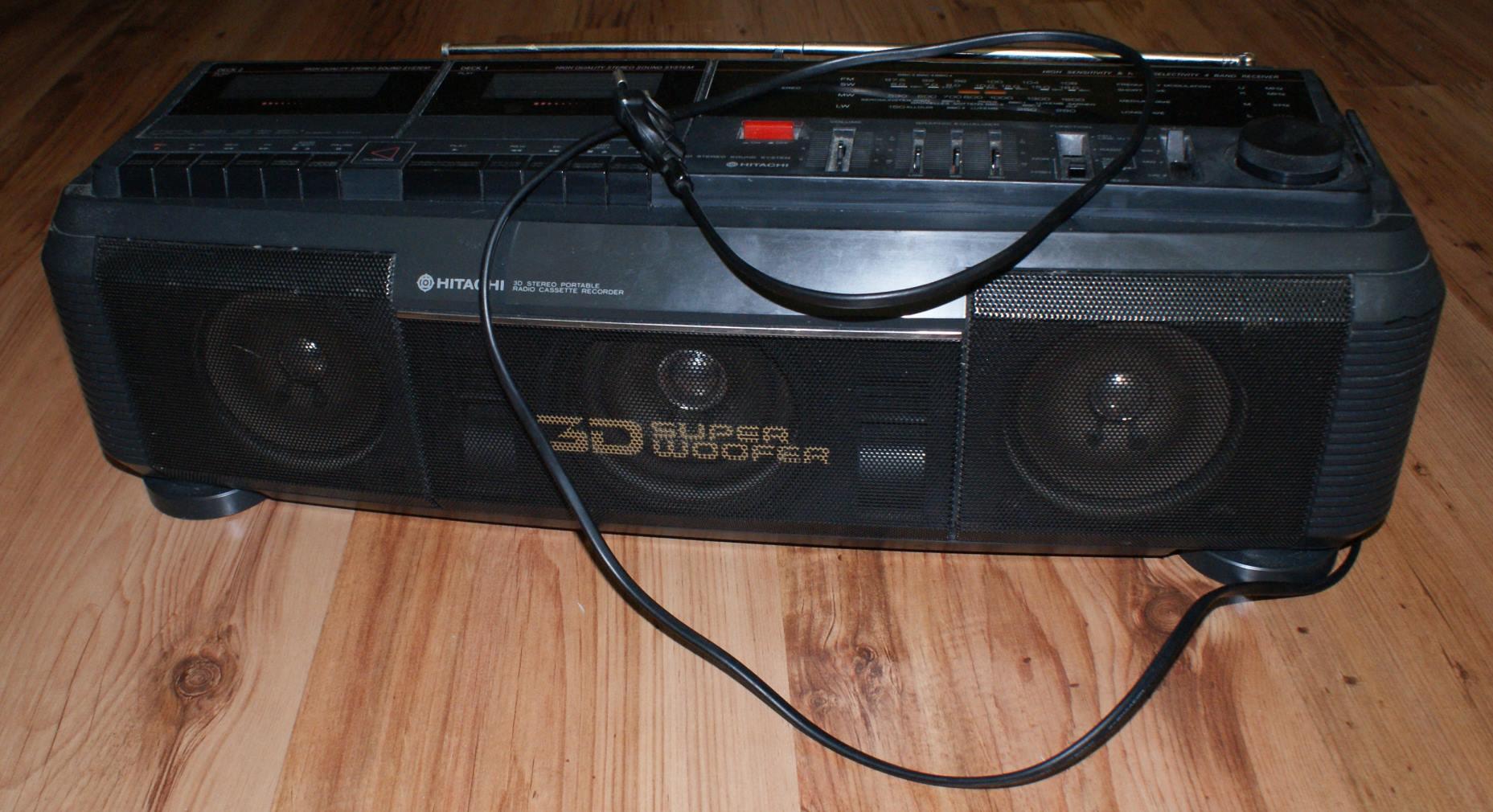 [Sprzedam] Radiomagnetofon Hitachi 3D super woofer KIELCE