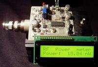 Cyfrowy miernik mocy w.cz na PIC16F870.